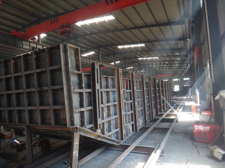 公司长期经营钢模板设计制作安装
